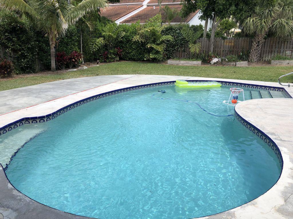 Slide – Pool